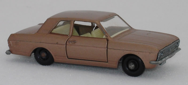 25D1 Ford Cortina