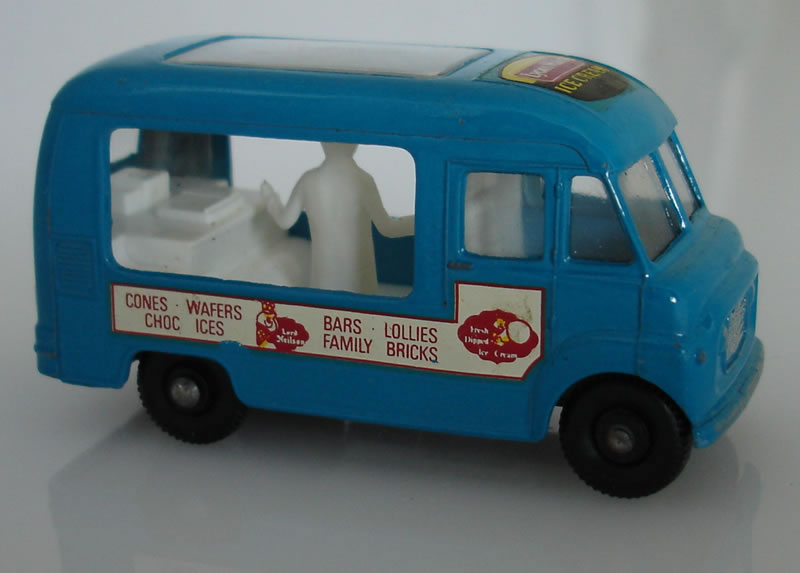 47B3 Commer Ice Cream Canteen