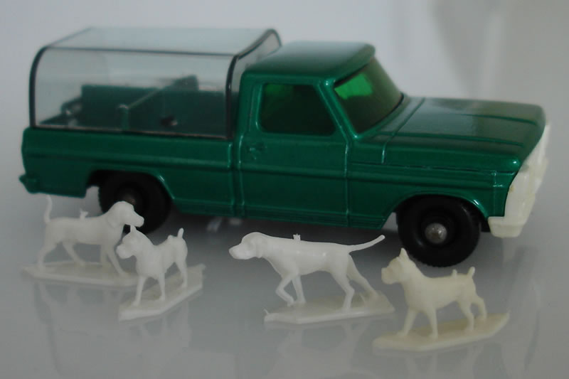 50C2 Ford Kennel Truck