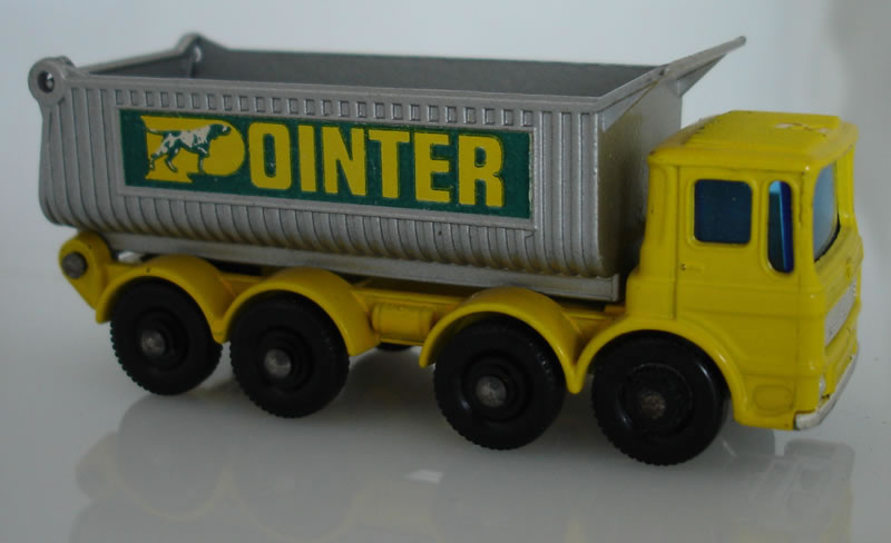 51C4 8-Wheel Tipper