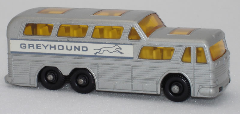 66C3 Greyhound Bus