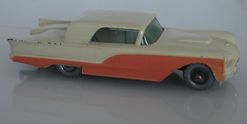 75A2 Ford Thunderbird