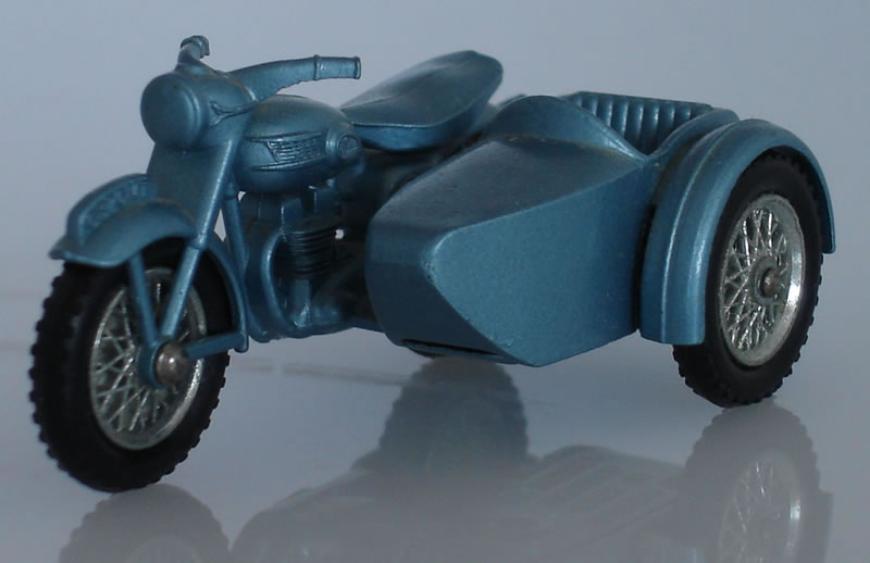 Matchbox Motorcycle Matchbox Lesney 4C1 Triumph Motorcycle and Sidecar, silver blue body ...
