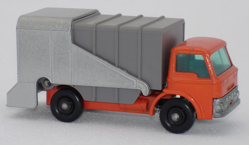 7C1 Ford Refuse Truck